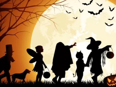 Desenho de pessoas fantasiadas para o Halloween